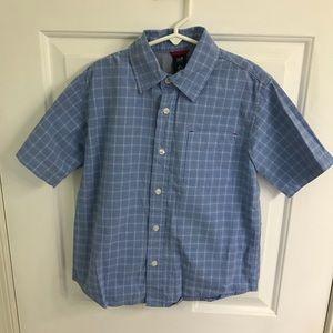 Boys short sleeve polo shirt size 6-7 from GAP